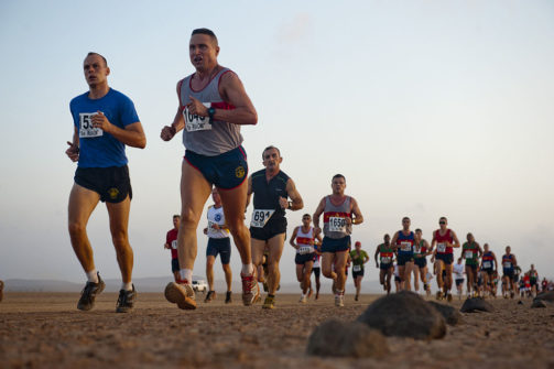 1024px-us_navy_111208-f-ui176-273_a_row_of_rocks_define_the_course_at_the_29th_annual_grand_bara_15k_race_in_the_grand_bara_desert_djibouti