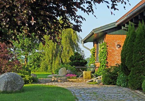 home-garden-2401640_640